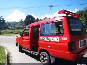 Melihat sekilas Ambon dengan Angkot
